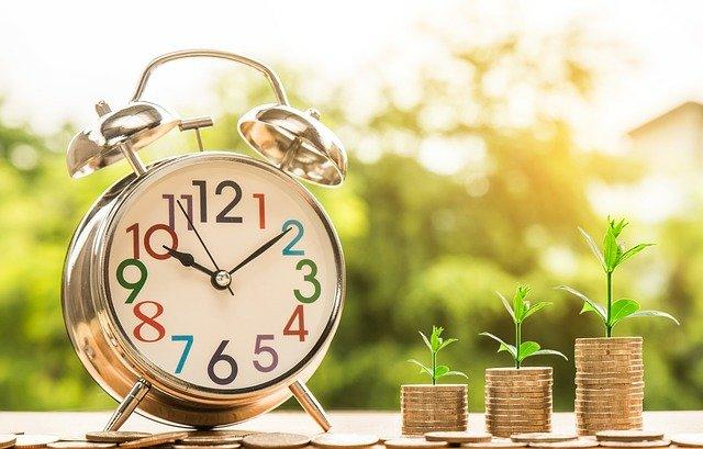 Couple Problem: Contradicting financial goals